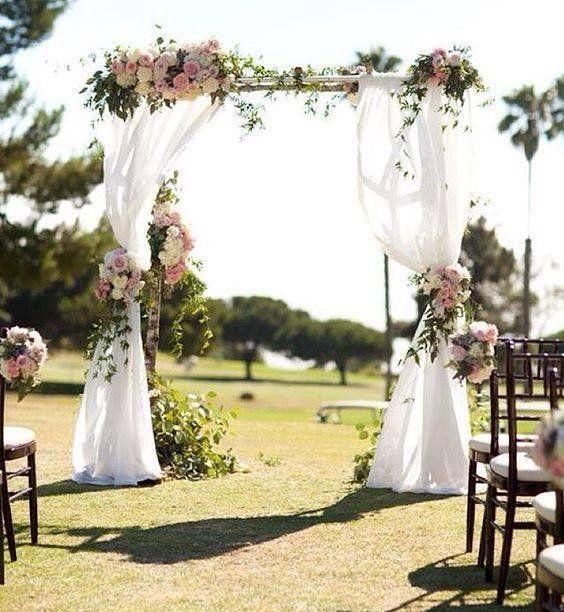 Arco simples e lindo - casamento ao ar livre