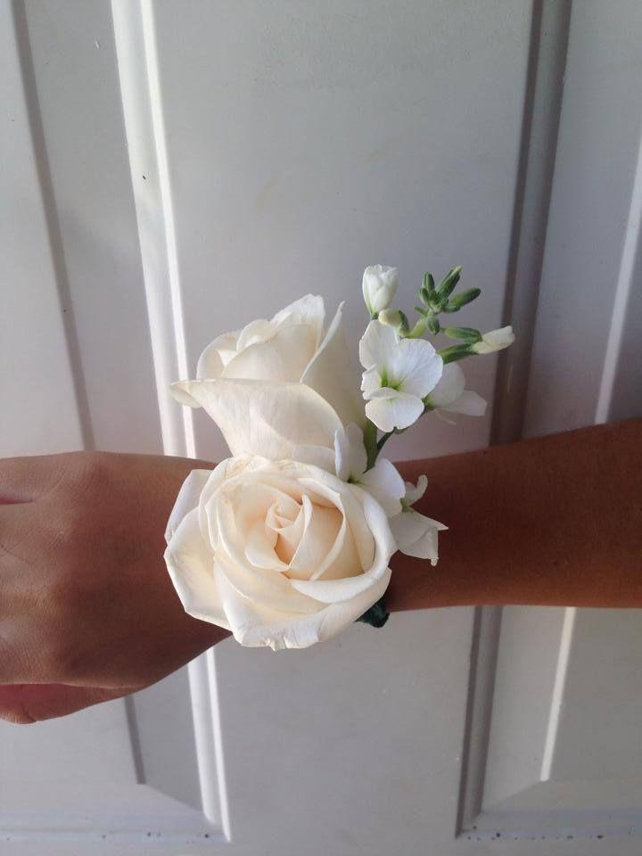 CBL137 Riviera Maya Weddings bodas / corsage de mateola y rosas/ corsage with stock flower and roses