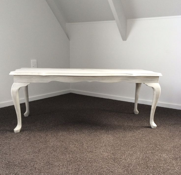 Queen Anne Cabriolet Table