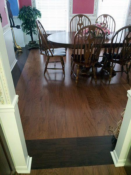 donkere hardhouten vloer