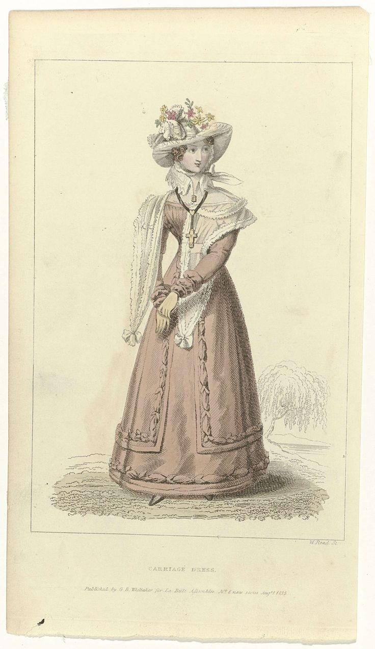 W. Read | La Belle Assemblée, 1 august 1825, No. 8 new series: Carriage Dress., W. Read, G. & W. Whittaker, 1825 | 'Carriage dress' met lange mouwen. 'Chemisette'(?) of kraag. Kleine schoudermantel(?) met slippen. Accessoires: hoed versierd met bloemen, broche, collier met een hanger in de vorm van een kruis, handschoenen. Prent uit het modetijdschrift La Belle Assemblée, or Bell's Court and Fashionable Magazine Addressed Particularly to the Ladies (1806-1832).