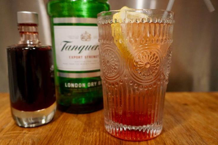tanqueray gin - raspberry collins cocktail recipe - gin cocktail