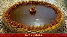Tarta Cabsha Ingredientes: Masa: 100 g. de manteca (mantequilla)120 g. de azúcar (mejor si es impalpable) 200 g. de harina 0000 1 pizca de sal 1 huevo Relleno y decoración: 600 g. de dulce de leche repostero 1 cda. de ron (ruhm) Cubierta: 200 c.c. de crema de leche (nata)200 g. de chocolate semiamargo