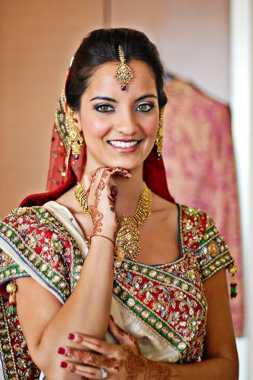 My Dulhan Diaries - Traditional Gujarati Saree (Panetar)
