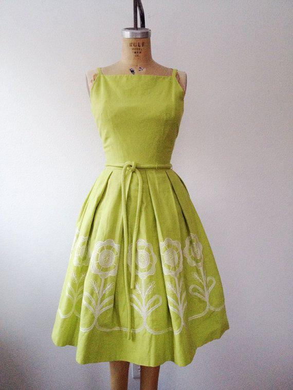 1950s dress / vintage embroidery dress / Osage by nocarnations