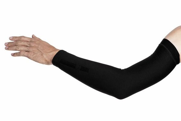 Isadore Apparel - Lycra Arm Warmers - Warm and cozy on the inside, luxury and soft from outside to keep your arms comfortable and dry. #isadoreapparel #roadisthewayoflife #cyclingmemories
