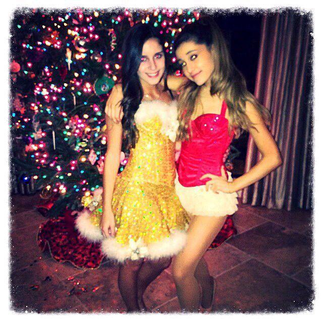 Ariana Grande Christmas Wallpaper: 118 Best Celeb + Christmas Images On Pinterest
