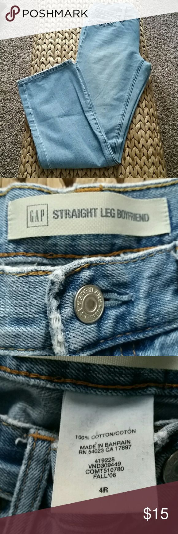 Gap straight leg boyfriend jeans These comfy faded wash jeans are great for all your casual outfits. GAP Jeans Boyfriend
