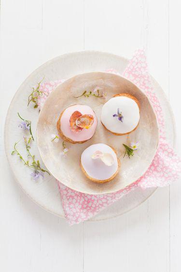 Vanilla cream puff