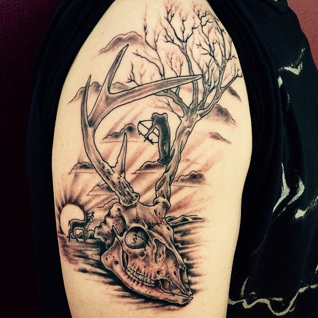 29 Best Hunting Shoulder Tattoos For Guys Images On