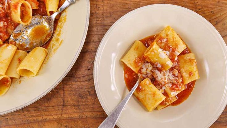 Rachael Ray puts her own spin on an Italian classic. Paccheri all'Amatriciana: Pasta with Bacon and Onion