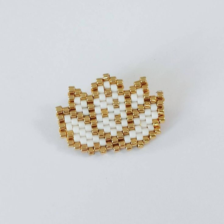Fleurs de lotus en perles tissées