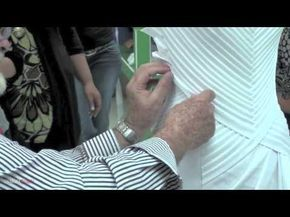 TECNICA COMO APLICAR ENCAJE- FASHION RULES TECHNIQUE: Lace appliqué - YouTube