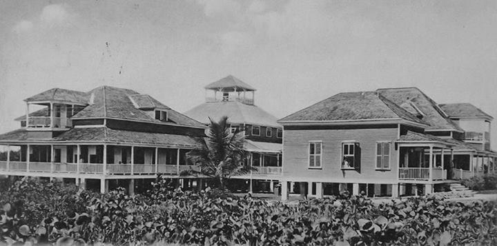 Hospital Presbiteriano  en el Parque Borinquen, Condado (1900)