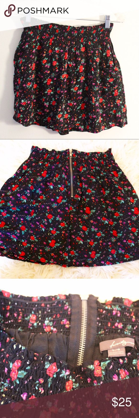 Floral summery skirt!! ☀️🌸 BUNDLE IT!! This skirt is so cute and comfortable. Perfect for a nice sunny day!! It's from Forever 21 and although says size L I am a Small and it's stretchy material allows it to fit me perfectly!! Forever 21 Skirts Mini