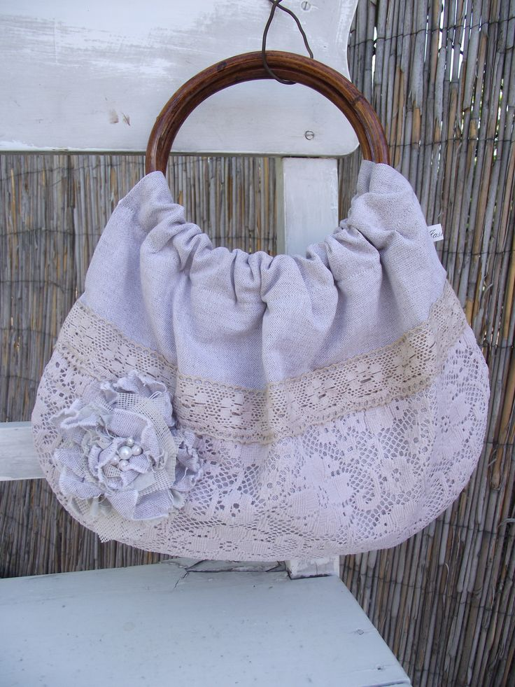 Grey linen bag with lace