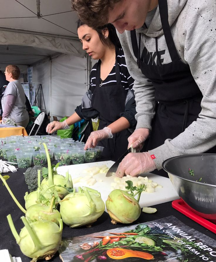 Natomas Unified School District students show off their culinary skills with a kale and kohlrabi salad at the 2017 California Ag Day http://blogs.cdfa.ca.gov/TalesFromTheField/?p=1137