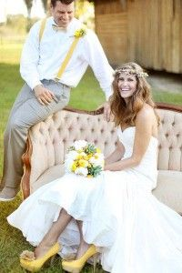 Vestidos de novia con un toque de color amarillo 1