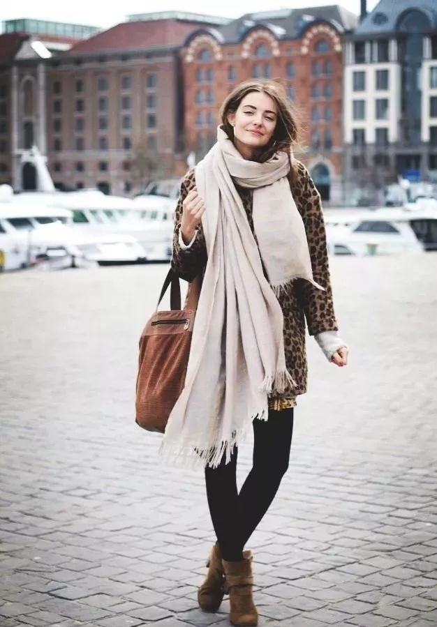 e2c1ec489 2019 scarf popular like this, warm fashion temperament, winter without a  scarf, is not complete!