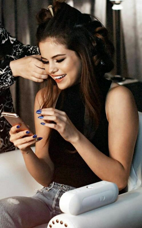 Christina Grimmie Selena Gomez Lesbian Porn - Your selena gomez source
