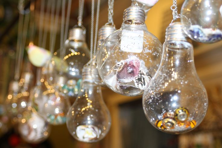Diy light bulb art cherry lane boutique 1 interior for Diy light art