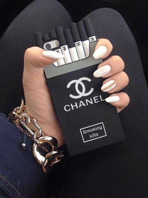 chanel case negra