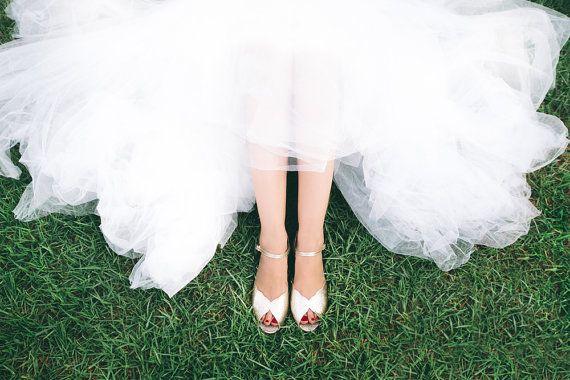 Wedding shoe / wedding sandal / flat bridal by RoniKantorShoes