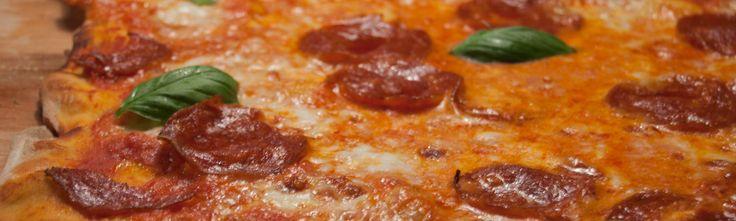 / la Pizza maison /Suite à différentes tentatives, nous avons décidé de vous proposer une recette que nous avons réalisée plusieurs fois, et qui nous a vraiment convaincus. Allons découvrir cette pizza maison…/ LA CUISINE ITALIENNE