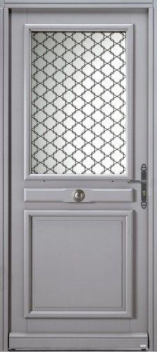 Modèle Mérida Porte d'entrée bois classique mi vitrée 1/2 vitrée, double vitrage sérigraphié noir classe P2A, poignée sur plaque rustique