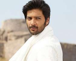 Actor Ali Fazal says producers of his upcoming movie 'Bobby Jasoos' had to cajole him a lot to star in the film, which has actress Vidya Balan playing the protagonist.