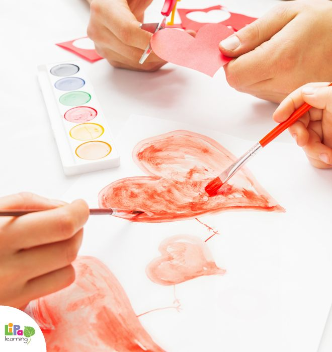 How to paint Valentine's hearts with a home-made red paint? Find out on Lipa Village.