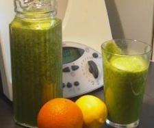 Rezept Grüner Powerdrink : Green Smoothie von Joan de Groot - Rezept der Kategorie Getränke
