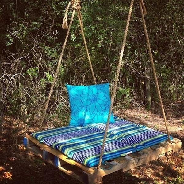 Pallet Bench swing- I wish I had a big tree so I could do this