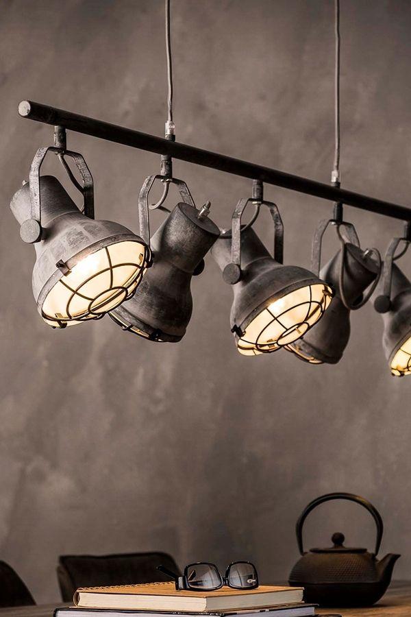 Industrielle Lagerhallen Eine Schatztruhe Fur Upcycling Ideen Bodenlampe Industrie Stil Lampen Moderne Stehlampen