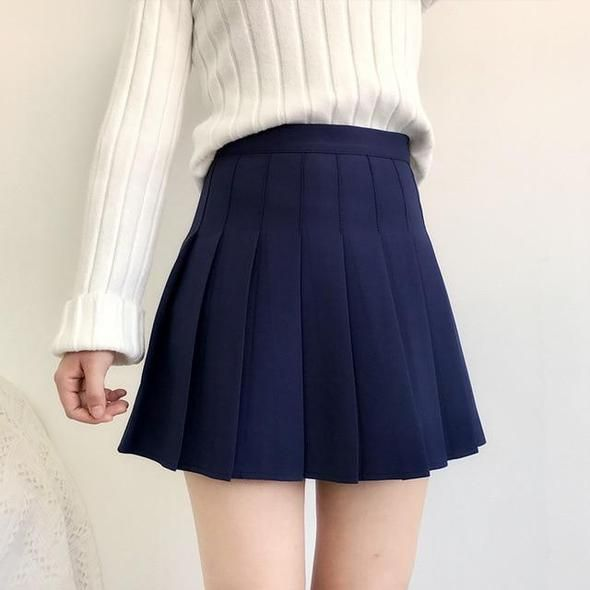 masterbating-women-in-pleated-skirts