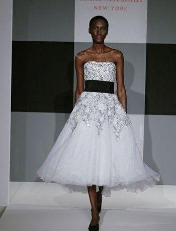 Vestido de novia en organza en blanco y negro del famoso diseñador Isaac Mizrahi | Plus size Isaac Mizrahi black and white organza wedding gown from his 2014 collection!