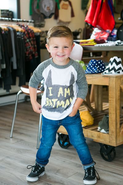 For your Batman lover! Available in sizes 2T, 3T, 4T, XXS(4-5), XS(5-6), S(6-7). These tees fit over-sized. Please consider sizing down in boys sizes (XXS/XS/