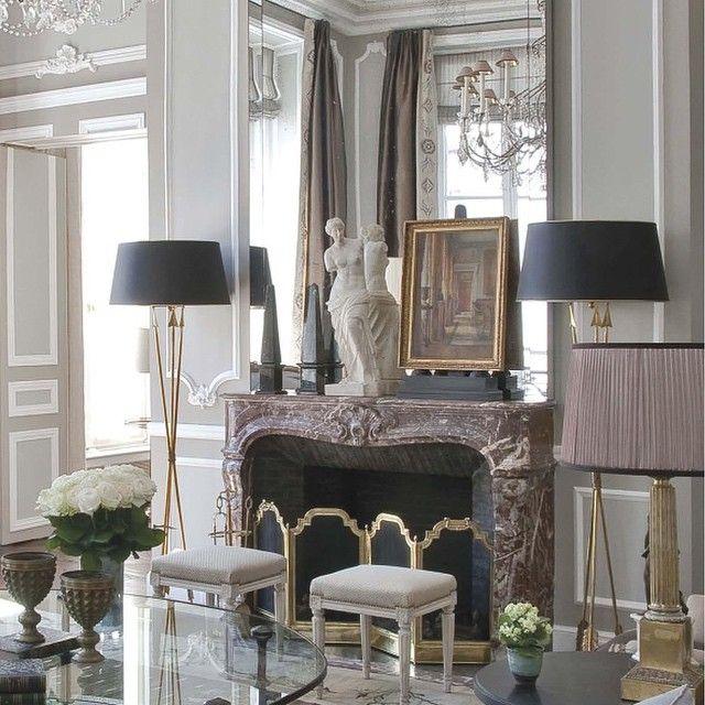Вокруг камина #камин #гостиная #дизайн #копилка_идей #зеркало #декор #дизайнинтерьера #стильный #классический #изысканный #интерьер #интерьергостиной #декор #декорирование #светлый #идеи #вдохновение #interior #interiordesign #decor #design #livingroom #fireplace #mirror