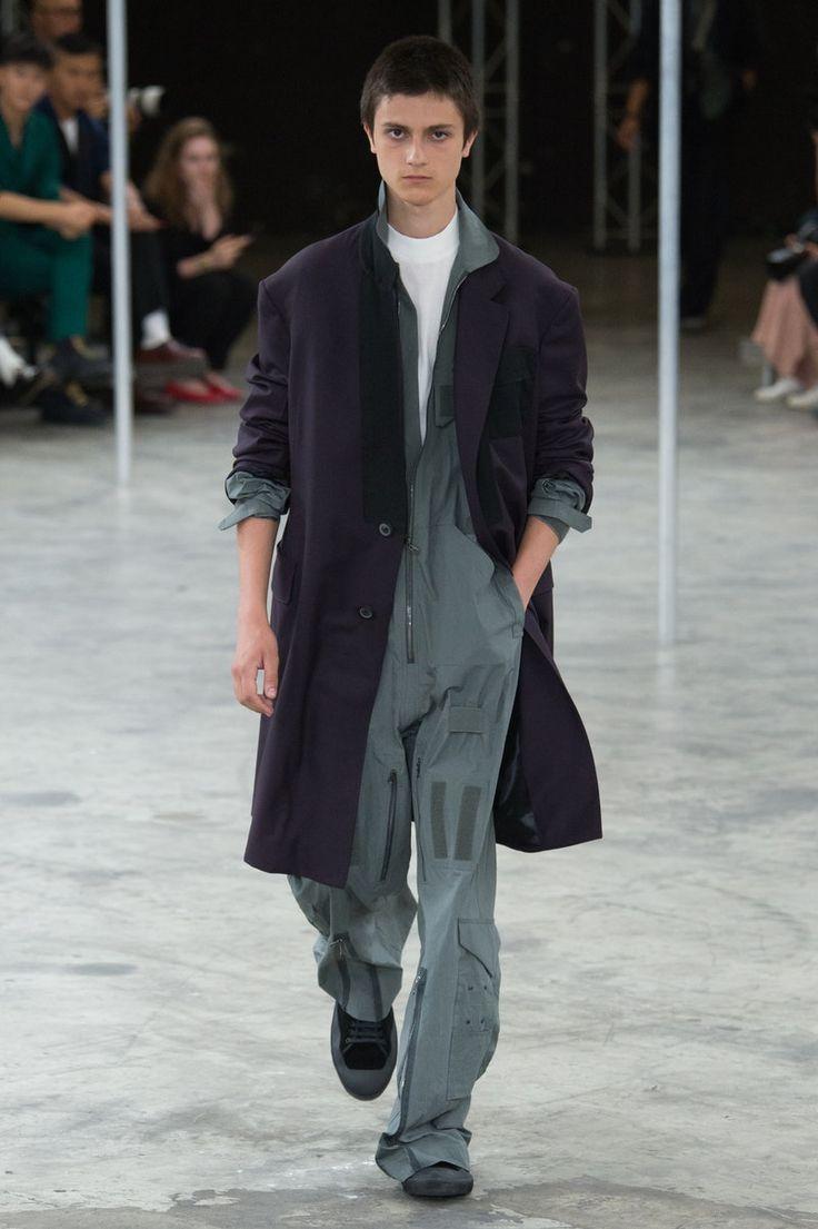 Lanvin | Menswear - Spring 2018 | Look 1