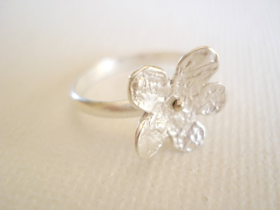 Textured tiny flower Sterling Silver Ring by PenelopeStudio, €19.00
