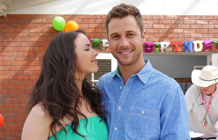 Naaaaaaw. Who thinks Brennan should give Kate a kiss? We do! #Neighbours #BehindTheScenes