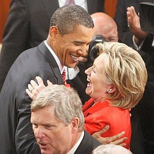 Vintage hug with HRC!Lady Michelle, Presidents Obama, Michelle Obama, 1St Families, Flotus Michelle, Michele Obama, People Th Obama, Peopleth Obama, Obama Laid