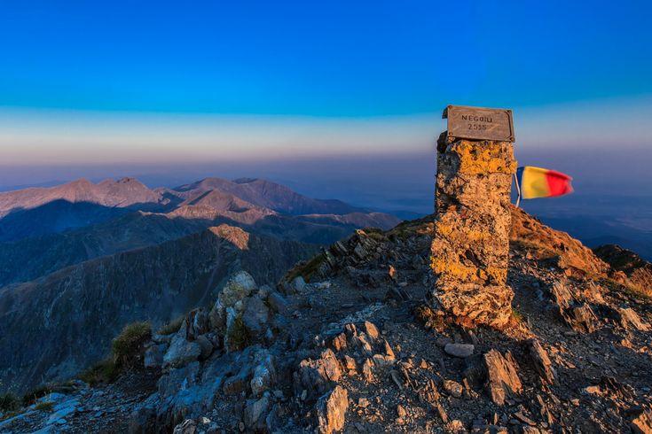 Le Sommet Negoiu : Bonjour Roumanie Le second plus haut sommet de Roumanie, découvrez ce paysage !!!