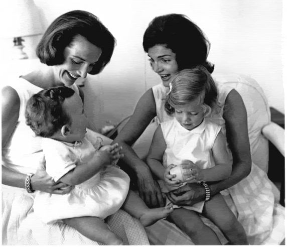 Lee and Jackie with JFK, Jr. and Caroline