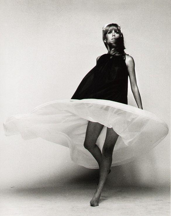 Flowy Dresses, 1960S Dresses, Fashion Style, Black And White, Catherine Deneuve, Beautiful, 1960S Fashion, Style Icons, Catherine Zeta-Jon