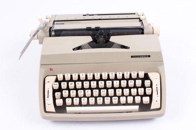 Mechanický psací stroj Consul 222.1