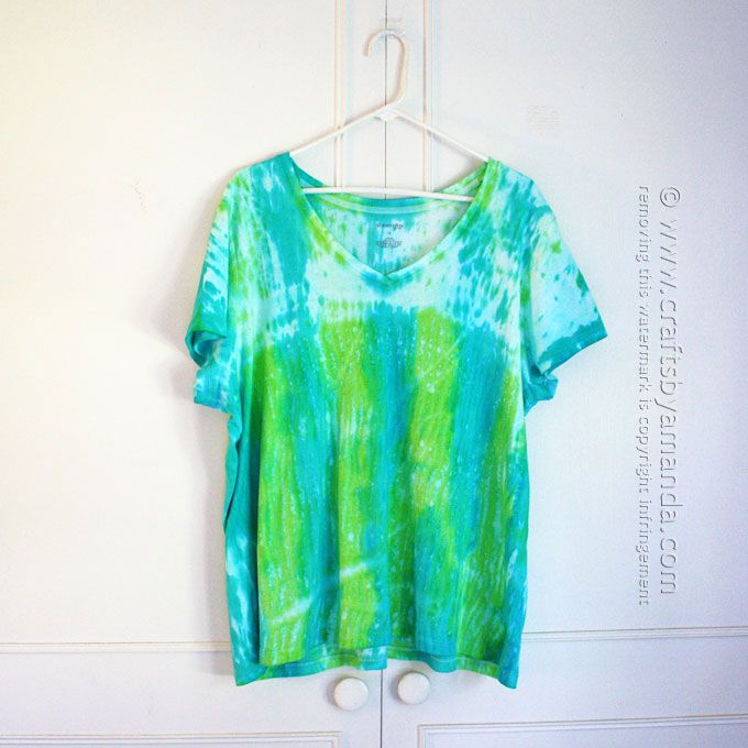 Last summer I learned about shibori tie dye, an ancient Japanese resist method that involves scrunching, twisting, folding or mashing fabric then dying it. The results are stunning!