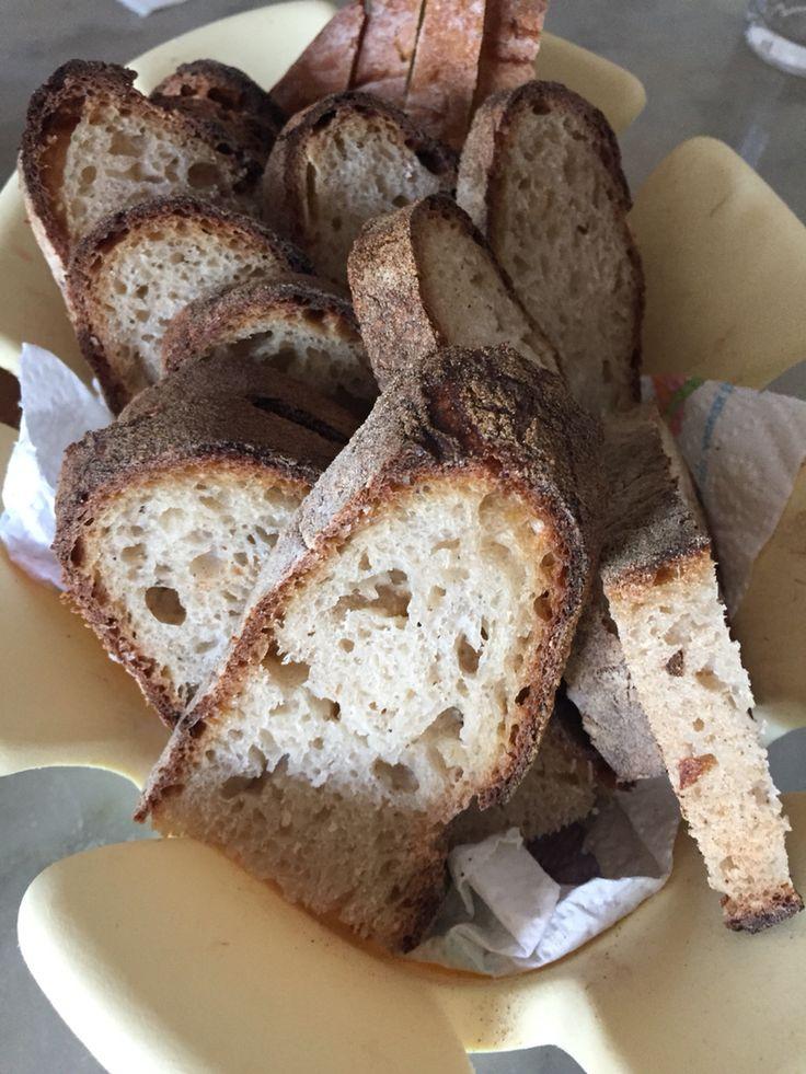 Pane forno a legna tradizionale e lievito madre