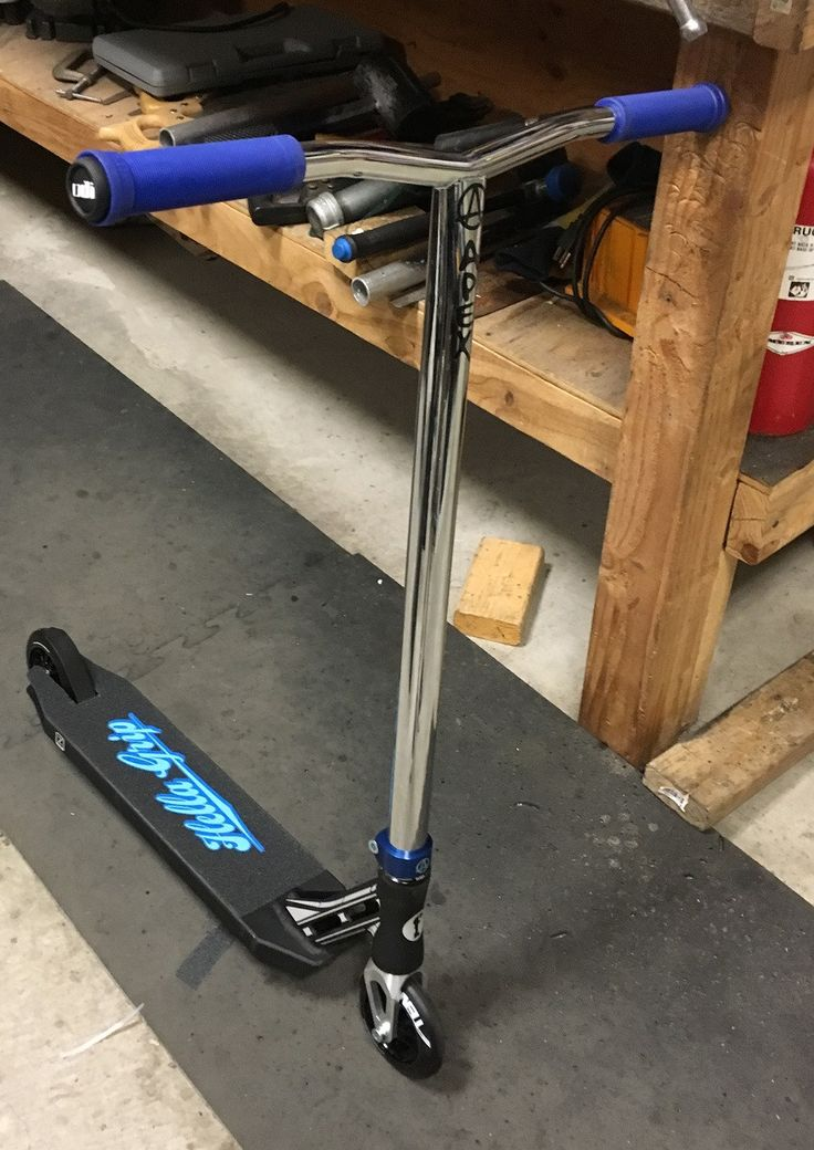 Custom Pro Scooter - Othello