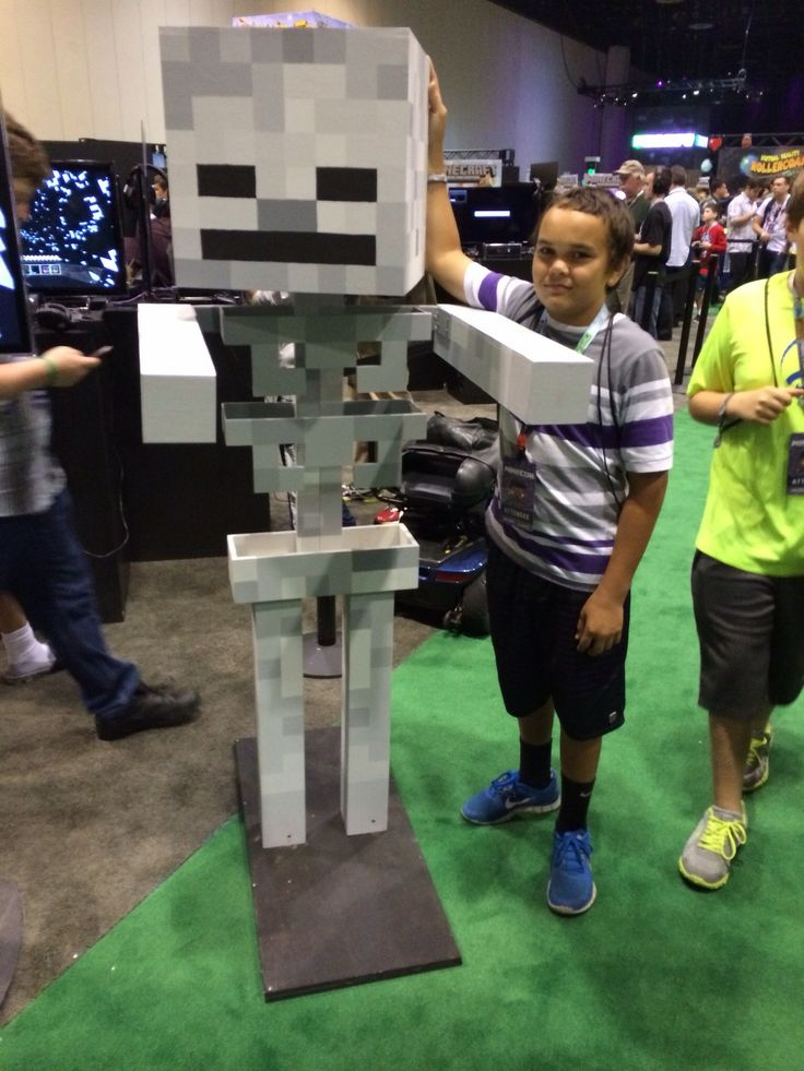 Life size skelly at MINECON 2013